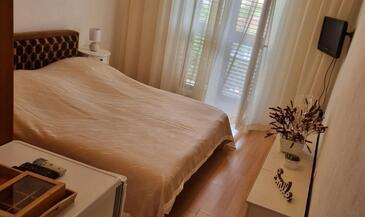 Supetar, Ložnice v ubytování typu room, s klimatizací a WiFi.