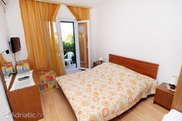 Supetar, Bedroom in the room, air condition available and WiFi.