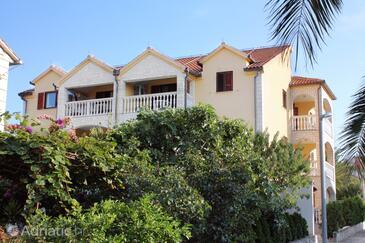 Supetar, Brač, Property 5663 - Apartments with pebble beach.