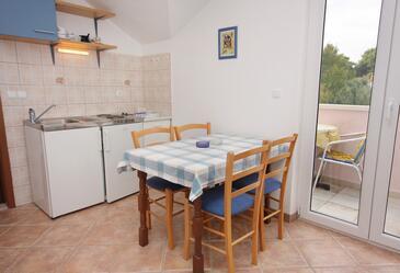 Splitska, Jadalnia w zakwaterowaniu typu apartment, dostupna klima i WIFI.