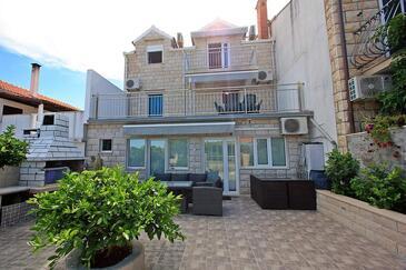 Supetar, Brač, Property 5665 - Apartments with pebble beach.