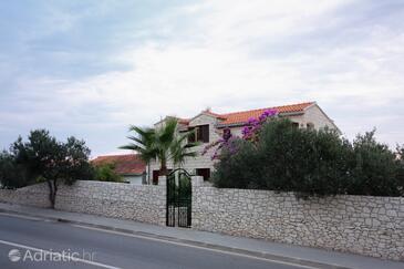 Supetar, Brač, Property 5670 - Apartments with pebble beach.