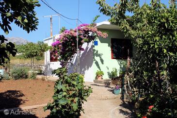 Sućuraj, Hvar, Объект 5671 - Апартаменты вблизи моря с галечным пляжем.