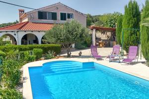 Family friendly house with a swimming pool Škrip (Brač) - 5673