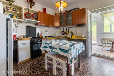 Bobovišća na Moru, Dining room in the apartment, (pet friendly).