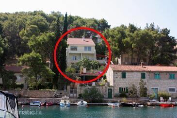 Bobovišća na Moru, Brač, Property 5683 - Apartments by the sea.