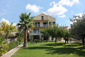 Vodice, Vodice, Property 5689 - Apartments near sea with pebble beach.