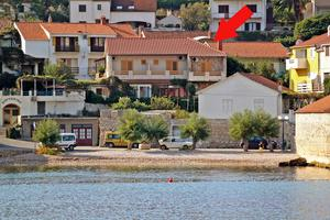 Apartments by the sea Jelsa (Hvar) - 5691