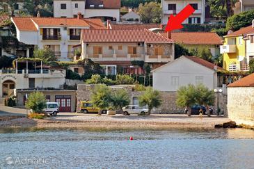 Jelsa, Hvar, Объект 5691 - Апартаменты вблизи моря с галечным пляжем.