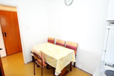Mudri Dolac, Dining room in the apartment.