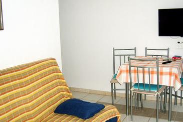 Mudri Dolac, Living room in the apartment, (pet friendly) and WiFi.