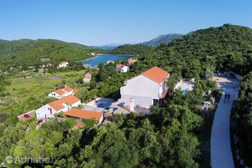 Žrnovska Banja, Korčula, Property 570 - Apartments with pebble beach.