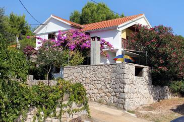 Basina, Hvar, Objekt 5700 - Ubytování v blízkosti moře s oblázkovou pláží.