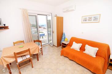 Hvar, Dining room in the apartment, dostupna klima, dopusteni kucni ljubimci i WIFI.