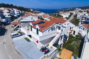 Apartments with a parking space Hvar - 5706
