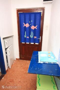 Ivan Dolac, Jídelna v ubytování typu studio-apartment, s klimatizací a domácí mazlíčci povoleni.