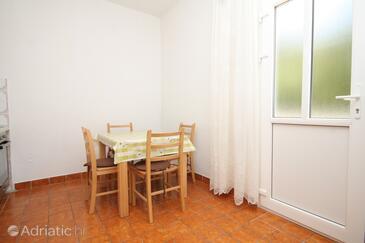 Hvar, Столовая в размещении типа apartment, WiFi.
