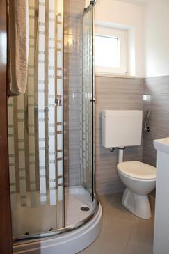 Bathroom 2   - A-572-a