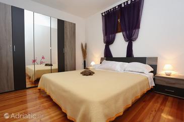 Bedroom    - A-572-b