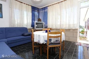 Dining room    - A-572-b