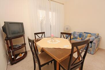 Stari Grad, Jídelna v ubytování typu apartment, klimatizácia k dispozícii, domácí mazlíčci povoleni a WiFi.