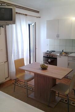 Stari Grad, Jídelna v ubytování typu studio-apartment, domácí mazlíčci povoleni a WiFi.