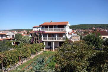 Bibinje, Zadar, Objekt 5732 - Apartmani sa šljunčanom plažom.