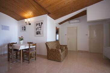 Brodarica, Гостиная в размещении типа apartment, доступный кондиционер, Домашние животные допускаются и WiFi.