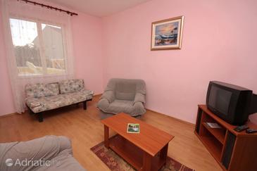 Turanj, Living room in the apartment, dostupna klima i dopusteni kucni ljubimci.