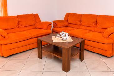 Srima - Vodice, Obývací pokoj v ubytování typu apartment, s klimatizací a WiFi.