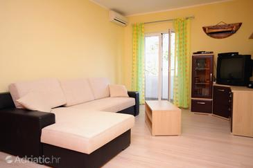 Privlaka, Living room 1 in the house, air condition available and WiFi.