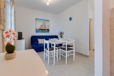 Kožino, Wohnzimmer in folgender Unterkunftsart apartment, Klimaanlage vorhanden, Haustiere erlaubt und WiFi.