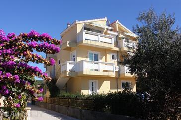 Bibinje, Zadar, Objekt 5761 - Apartmani sa šljunčanom plažom.