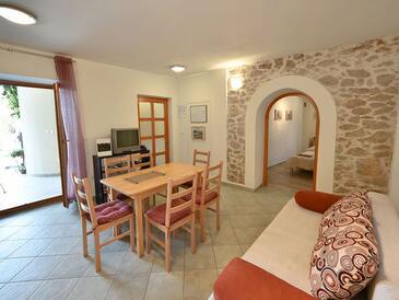 Zadar - Diklo, Jadalnia w zakwaterowaniu typu apartment, dostupna klima i WIFI.