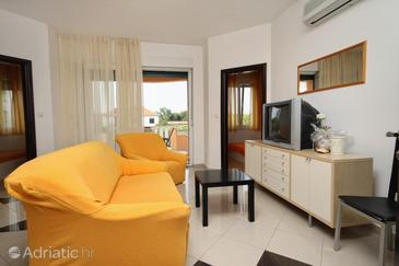 Zadar - Diklo, Living room in the apartment, air condition available and WiFi.