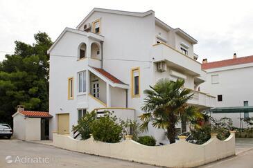 Zadar - Diklo, Zadar, Property 5781 - Apartments near sea with pebble beach.