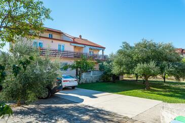 Bibinje, Zadar, Objekt 5786 - Apartmani blizu mora sa šljunčanom plažom.
