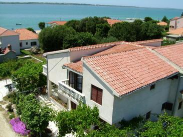 Vrsi - Mulo, Zadar, Объект 5791 - Апартаменты вблизи моря с галечным пляжем.
