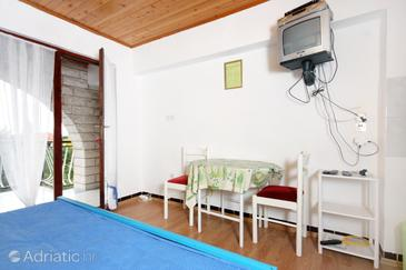 Zadar - Diklo, Dining room in the studio-apartment, WIFI.