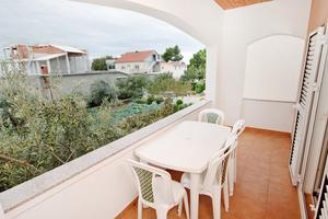 Apartments with a parking space Vrsi - Mulo (Zadar) - 5796