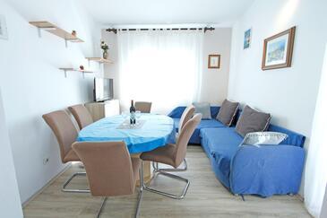 Nin, Esszimmer in folgender Unterkunftsart apartment, Haustiere erlaubt und WiFi.