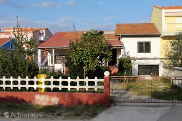 Vrsi - Mulo, Zadar, Objekt 5798 - Ubytování v blízkosti moře s oblázkovou pláží.