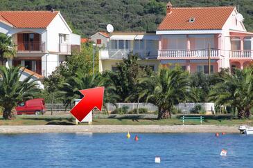 Sukošan, Zadar, Obiekt 5802 - Apartamenty przy morzu ze żwirową plażą.