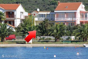 Sukošan, Zadar, Objekt 5802 - Apartmaji v bližini morja s prodnato plažo.