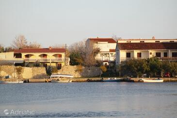 Nin, Zadar, Объект 5805 - Апартаменты и комнаты с песчаным пляжем.