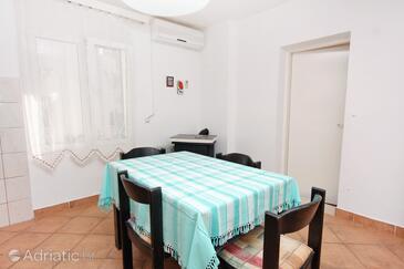 Vodice, Ebédlő szállásegység típusa apartment, dostupna klima i WIFI.