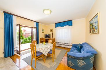 Zadar - Diklo, Sufragerie în unitate de cazare tip apartment, WiFi.