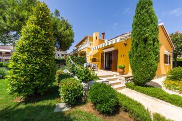 Zadar - Diklo, Zadar, Объект 5809 - Апартаменты с галечным пляжем.