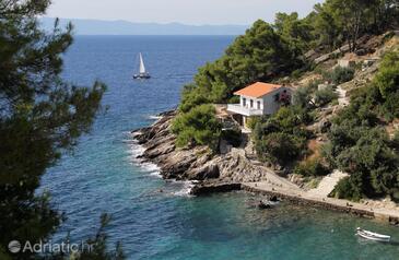 Torac, Hvar, Objekt 581 - Ubytování v blízkosti moře s oblázkovou pláží.
