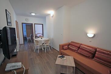 Vinjerac, Living room in the apartment, air condition available, (pet friendly) and WiFi.
